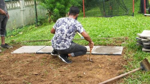 Ground leveling with pre-cast concrete slabs